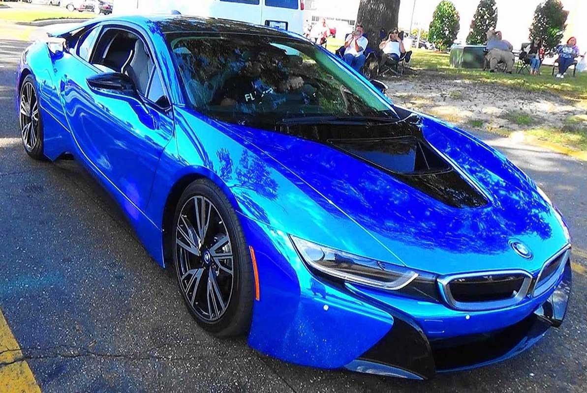 BMW i8 Blue Chrome – The powerful shiny pearl