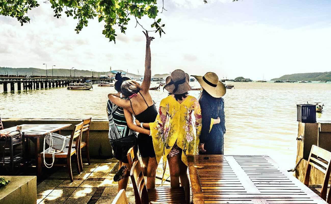 Travel together, enjoy together, live together