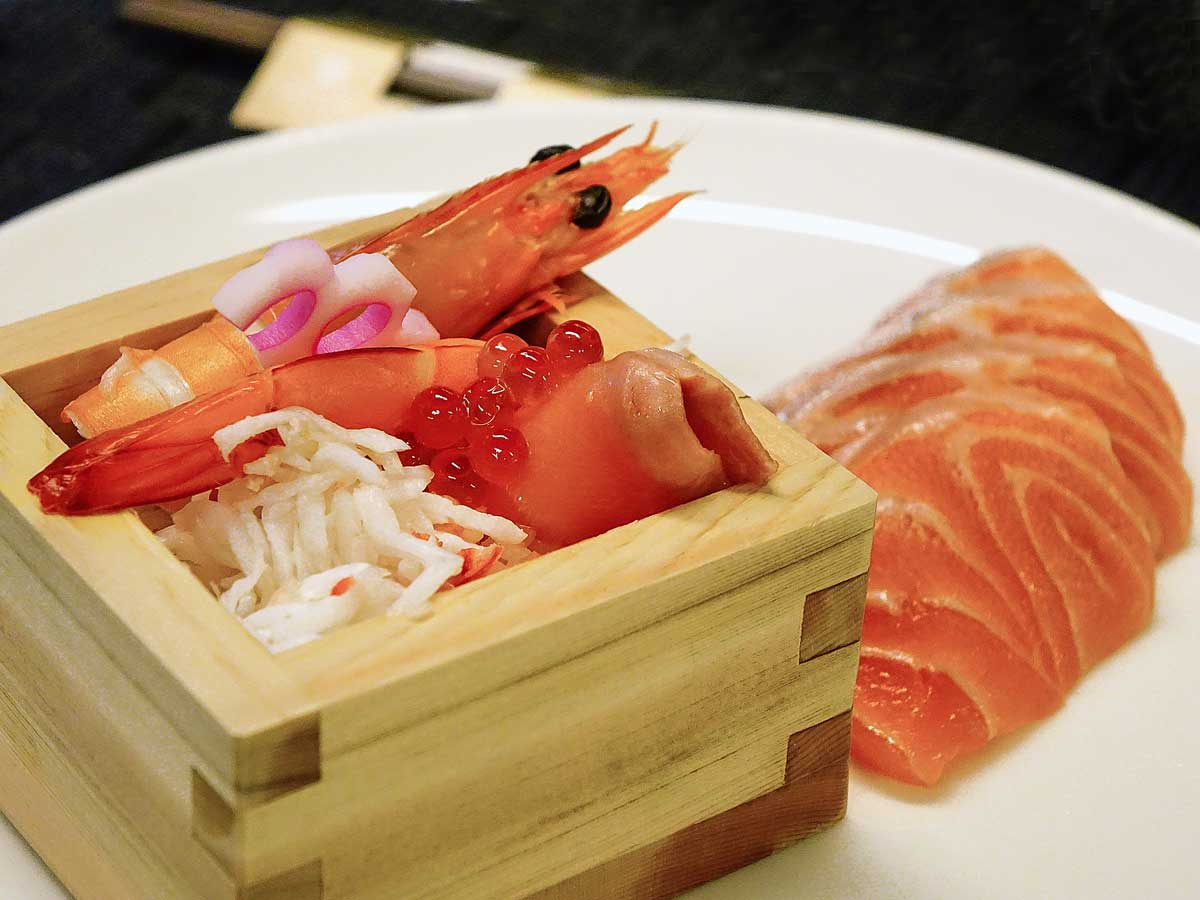 Sashimi, the delicious fishes from Japanese