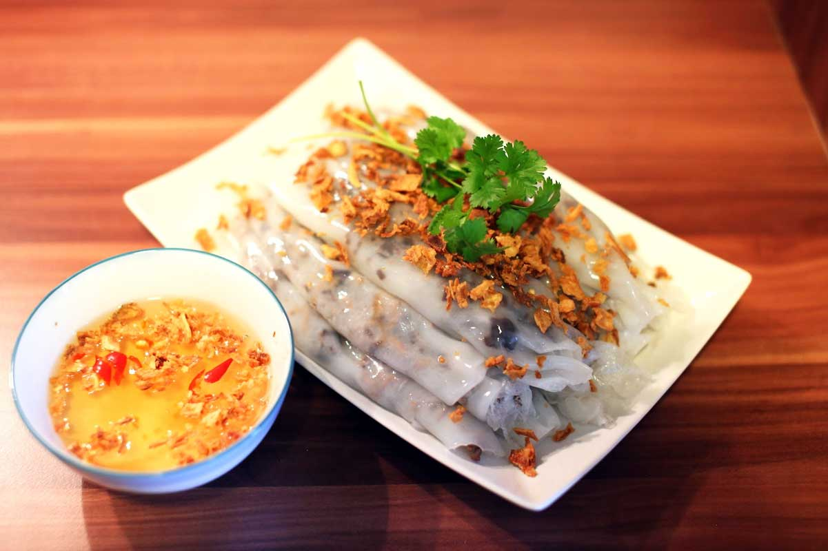 Vietnamese Banh Cuon is a must eat