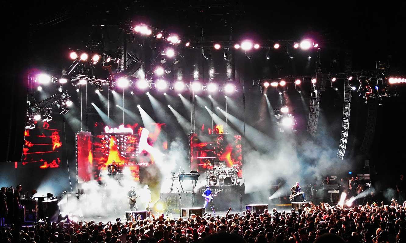 Linkin Park Honors Chester Bennington